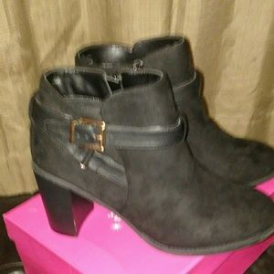 Womens size 10 booties